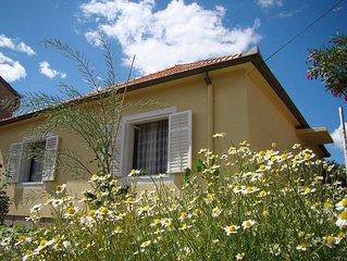 Ferienhouse im Ortszentrum,mit Garten,Terasse und Grill,Familienfreundlich,Wi-Fi