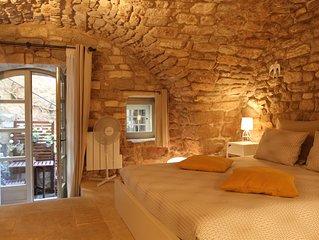 Chambre de Charme independante / Charming independent bedroom / Bonnieux Luberon