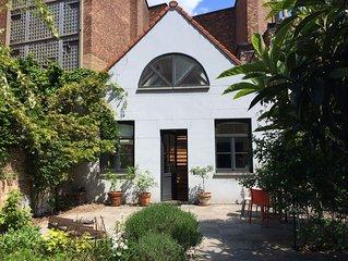 Maison avec jardin centre ville, calme et nature.