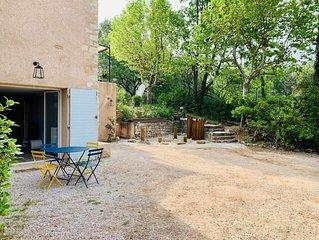 Appartement rénové dans une Bastide à proximité immédiate de la ville d'Aix