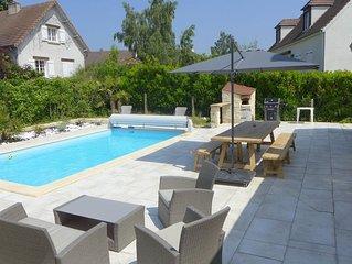 Maison avec piscine chauffee 28° / jacuzzi a 01 heures 10 PARIS - 10 personnes