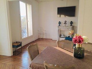 Appartement typiquement  parisien /Proche Tour eiffel