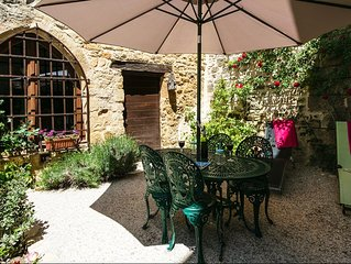 Amazing house with terrace-garden in the heart of Beynac