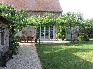 Au coeur de la Bourgogne, grange de charme 8 pers, piscine chauffée, pétanque