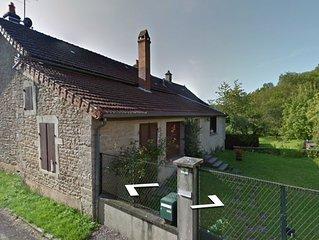 Maison familiale de caractere dans un cadre verdoyant