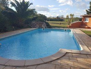 Maison de plain pieds avec piscine pour 8 personnes à Marseillan