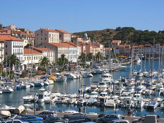 Grand appartement T3 (65m2), vue sur le port du balcon, pres de Collioure