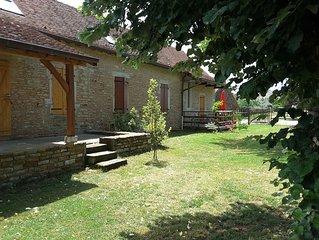 'Les Vieux Poiriers' (proche Taize, Cluny..) a Bonnay 71460 (site clunisien)