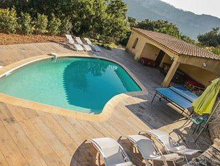 Villa spacieuse, campagne TOULON, piscine, jacuzzi , billard...