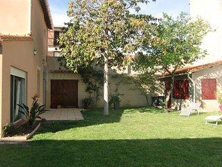 Charmante villa avec jardin entièrement clos de 400m² environ