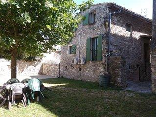 Petite maison meublee avec jardin clos proche de la mediterranee et des Cevennes