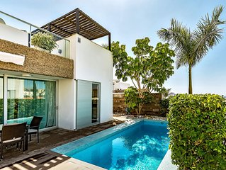 Fabulous Villa with pool in a Great location !