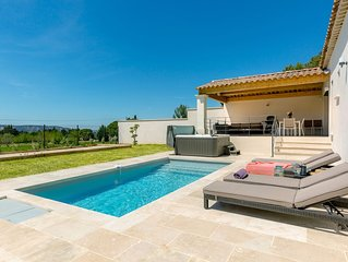 MAGNIFIQUE maison neuve au pied du Lubéron avec piscine et jacuzzi