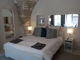 Studio de charme Wifi, Cuisine, Terrasse Bonnieux dans le Luberon