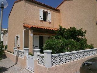 Villa à100m de la plage dans Résidence privée securisée 2 piscines .internet
