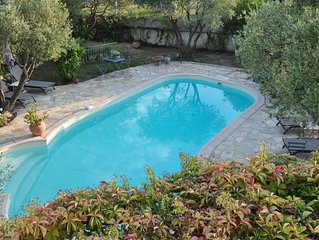Venez passer de doux instants en chambre d'hôte avec piscine et jacuzzi.