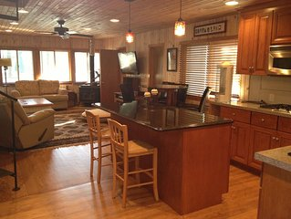 Fully remodeled cottage on Waupaca Chain O' Lakes - Limekiln Lake