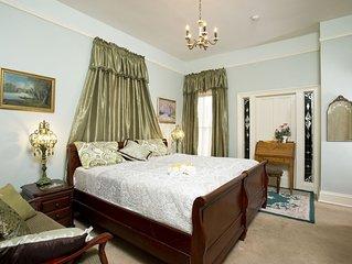 Lawton Guest Suite: Historic Guest House W/ Jacuzzi Tub