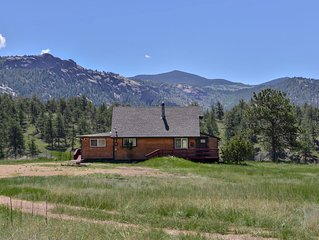 Dome Rock Cabin on 5 Acres, Gorgeous Views, Dog friendly