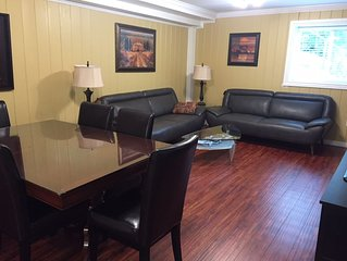 GREAT WEST VANCOUVER Location  !  LARGE1700 SF - 2 BEDROOM / 2 BATH Garden Suite