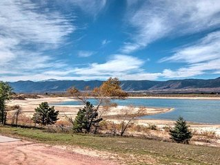 Sweet Valentines Deals! Lake Front & Mountain Views - Close to USAFA