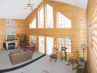 Best Lux Cabin near Starved Rock golf,boat,fish,Chef kitch / sleep 12,WiFi, 4 TV