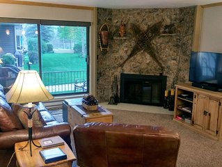 Remodeled Condo w/ FREE WiFi, Parking, Heated Pool, Hot Tubs, Skier Shuttle