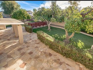 Large family friendly home with Guest house & HEATED Pool