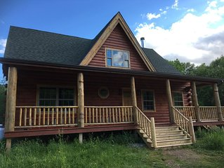 Luxurious, specious, private log cabin near Cooperstown