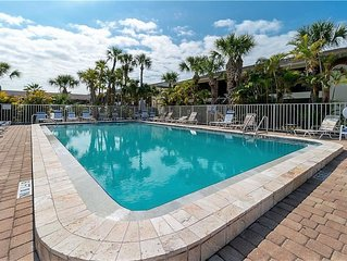 Great 2 Bedroom, 2 Bath Condo w/Pool, Tennis, Clubhouse Only 2 Miles from Beach!