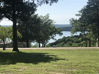 Sunset View- Private retreat with lake view on 2 acres   , minutes to lake