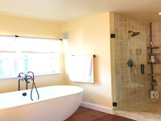 Gorgeous private split level mclean side of great falls park like setting