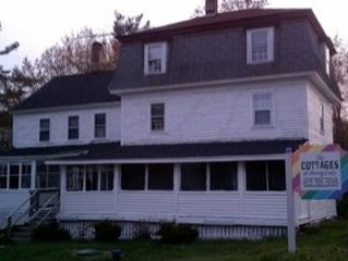 Lakefront Home 6 Bedrooms Pet Friendly!~, holiday rental in Rochester
