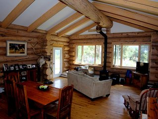 Log Home on 3 Acres minutes from Carbondale!