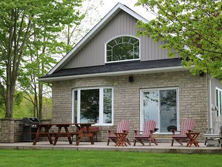 Long Reach Retreat Cottage on the Beautiful Bay of Quinte, Prince Edward County