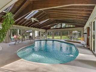 4br/2.5ba Quiet House on the Marsh with Fully Enclosed Private Pool