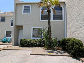 2 Bedroom townhouse-beach side of Thomas Dr.