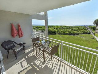 Oceanfront vacation condo, stunning views, beautifully renovated 2 bed 2 bath