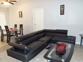 Beautiful and Peaceful single family home 20 minutes to the strip