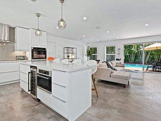 Simply Elegant WPB Singer Island Home, Casa Blanca.