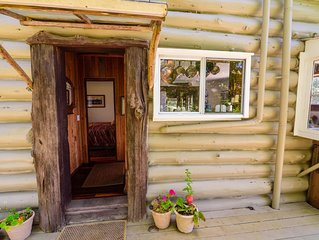 Buckhorn Bungalow - Take a step back in time...