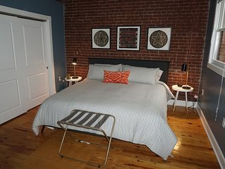 Bourbon City Loft! - Free Downtown Parking
