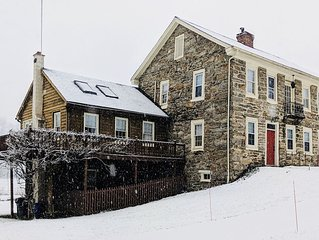 Historic Stone House - Warm, Cozy, and Spacious winter retreat for families!