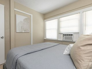 *Tranquil, Zen Apartment* - Close to Downtown!