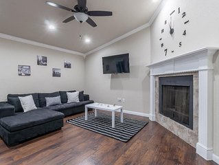 Core Home - Charming and cozy. Great location close to DFW Airport & Outlet Mall