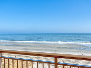 One of a kind, Oceanfront condo, wifi, pool, w/personal sundeck and panoramic vi