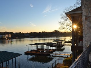 Welcome to Paradise! **NEWLY RENOVATED** Gorgeous Lake Home