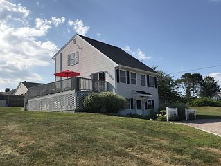 Spacious Family Home in Sand Hill Cove/Roger Wheeler Area!