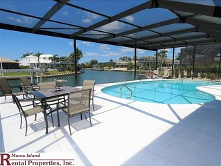 Coronado: Large Waterfront Family Vacation Rental. 5 Total Bedrooms, Bikes,Kayak