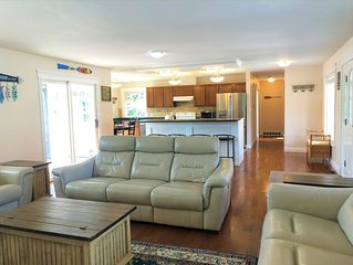 Detached Waterfront Home with Private Boat Dock, Boat Lift and Gorgeous Views